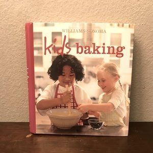 Other - ‼️PRE-OWNED‼️Kids Baking Book